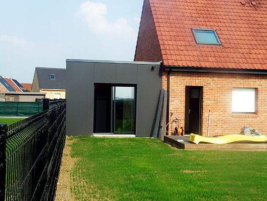 extension de maison en panneau composite alternative bois concept. Black Bedroom Furniture Sets. Home Design Ideas
