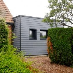 extension de maison en bardage gris anthracite